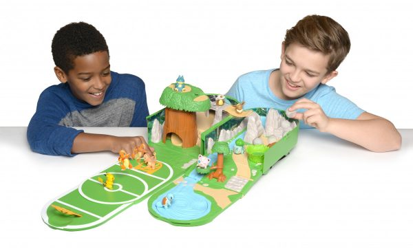 Pokemon-Carry-Case-Playset-2-600x365