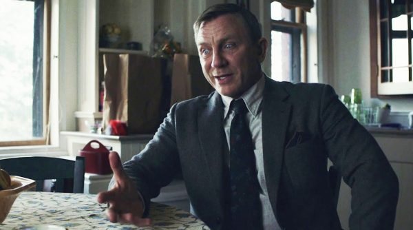 daniel-craig-knives-out-deleted-scene-600x334