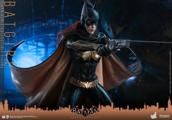 Hot-Toys-BAK-Batgirl-collectible-figure_PR10-600x420