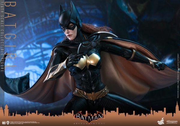 Hot-Toys-BAK-Batgirl-collectible-figure_PR12-600x420