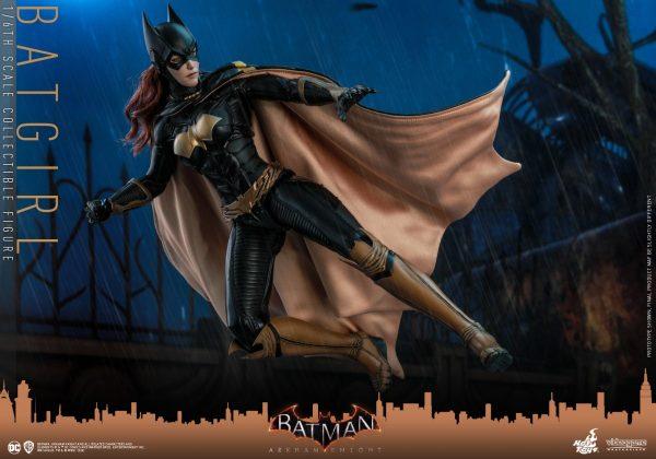Hot-Toys-BAK-Batgirl-collectible-figure_PR8-600x420