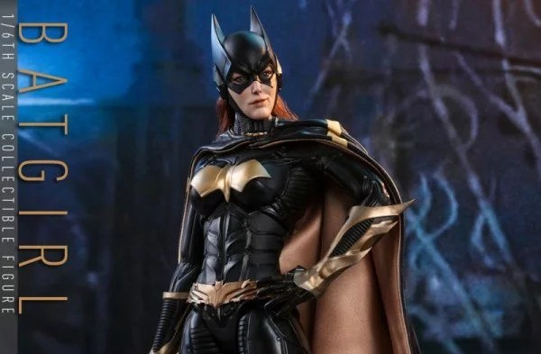 Hot-Toys-BAK-Batgirl-collectible