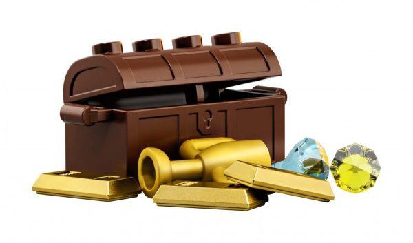 LEGO-Ideas-Pirates-of-Barracuda-Bay-21322-14-600x353