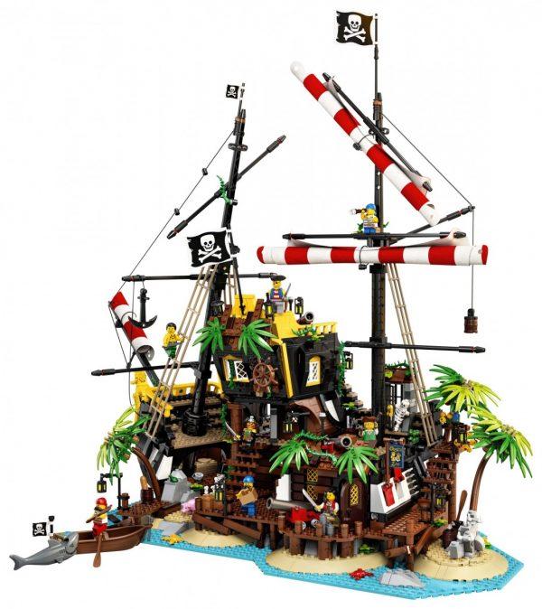 LEGO-Ideas-Pirates-of-Barracuda-Bay-21322-3-scaled-1-600x674