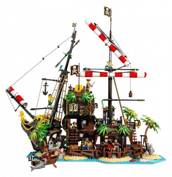LEGO-Ideas-Pirates-of-Barracuda-Bay-21322-5-scaled-1-600x619