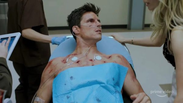 Robbie-Amell-Uploaded-600x338