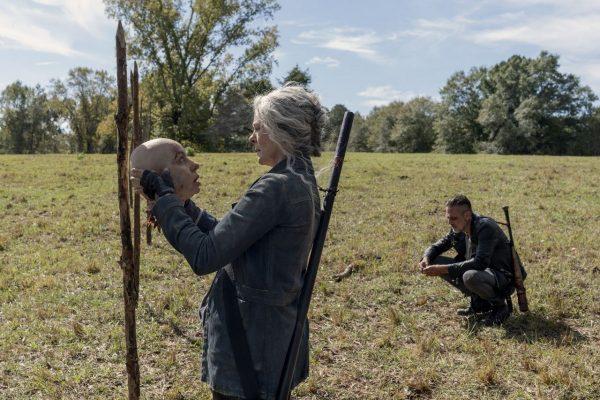 The-Walking-Dead-1014-23-600x400