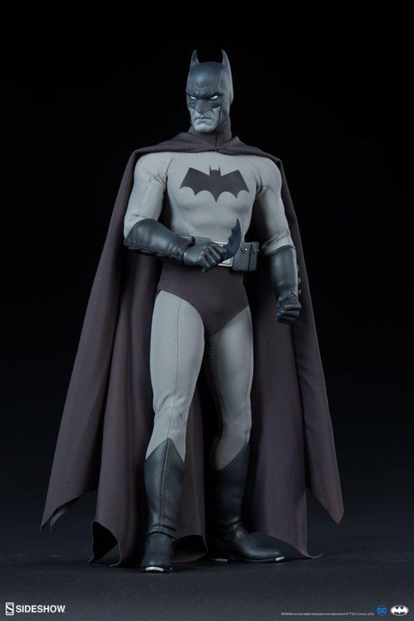 batman-noir-version_dc-comics_gallery_5e6c2b3844d07-600x900