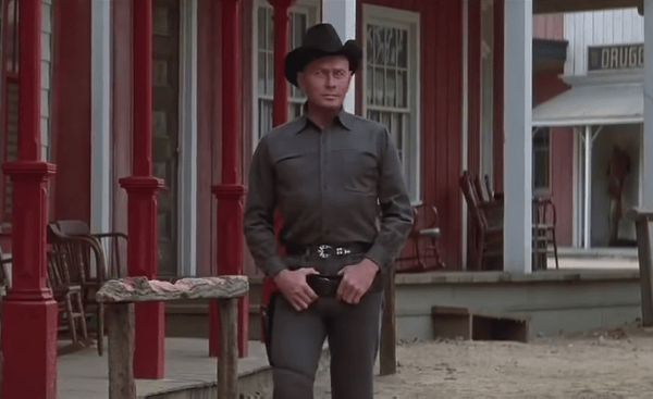 Westworld-1973-Movie-Trailer-1-42-screenshot-600x367