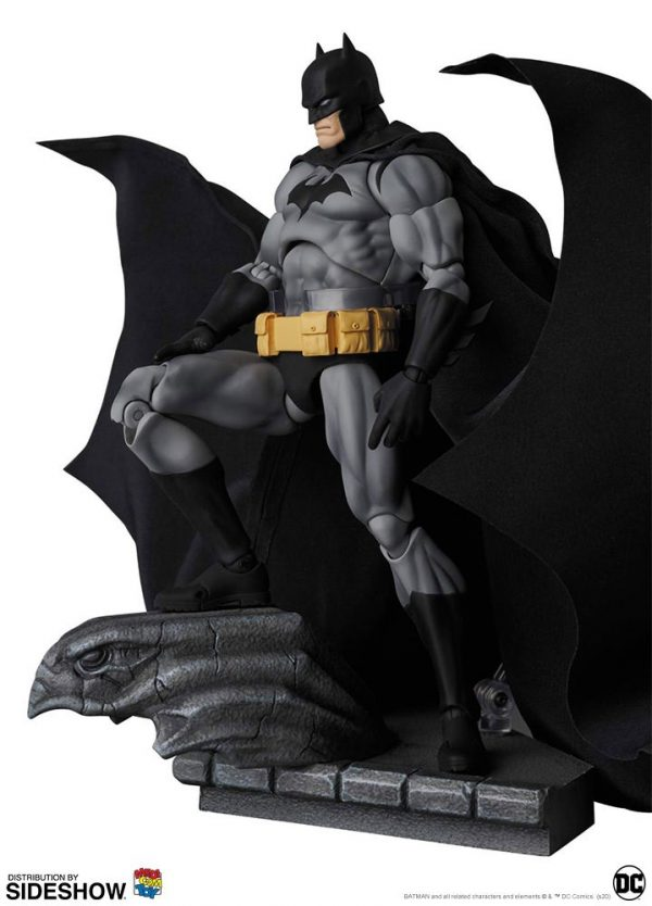 batman-hush-black-version_dc-comics_gallery_5e8b4d6781dde-600x834