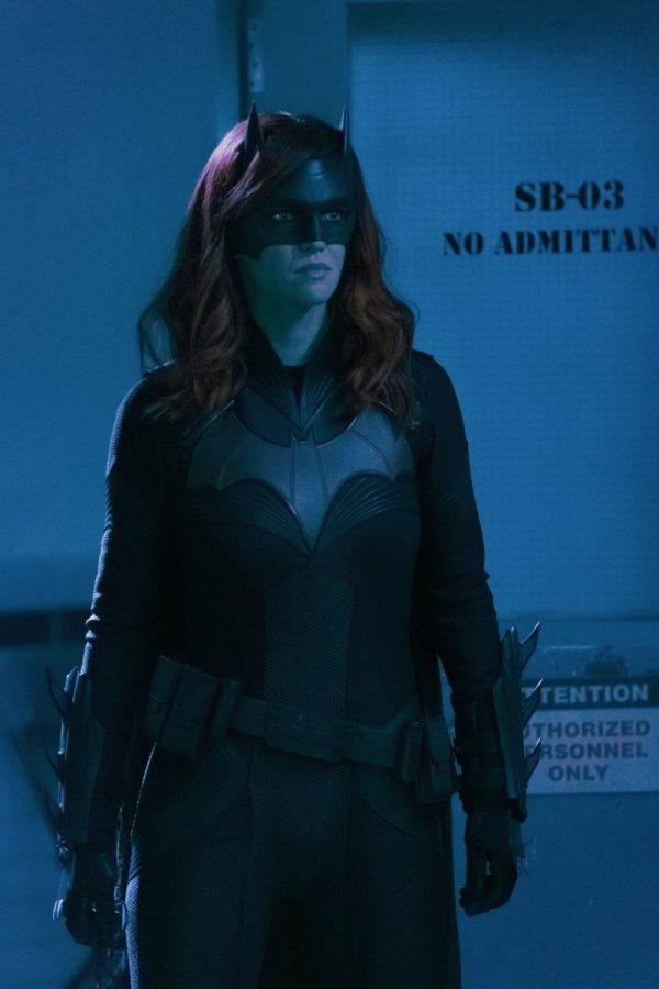 Batwoman-119-4-600x900