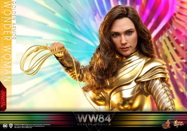 Hot-Toys-WW84-Golden-Armor-Wonder-Woman-collectible-figure-Deluxe_PR1-600x420