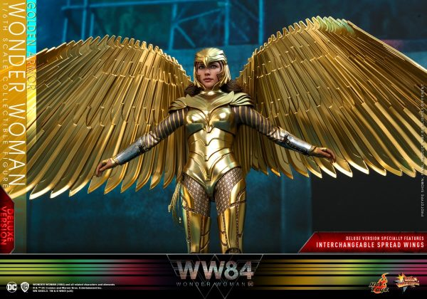 Hot-Toys-WW84-Golden-Armor-Wonder-Woman-collectible-figure-Deluxe_PR11-600x420