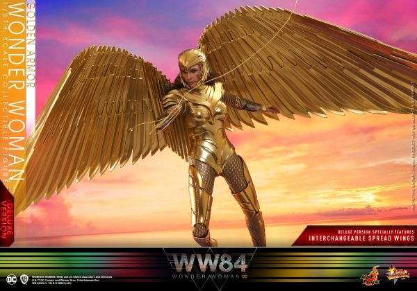 Hot-Toys-WW84-Golden-Armor-Wonder-Woman-collectible-figure-Deluxe_PR5-600x420
