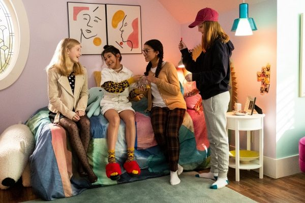 The-Baby-Sitters-Club-10-600x400