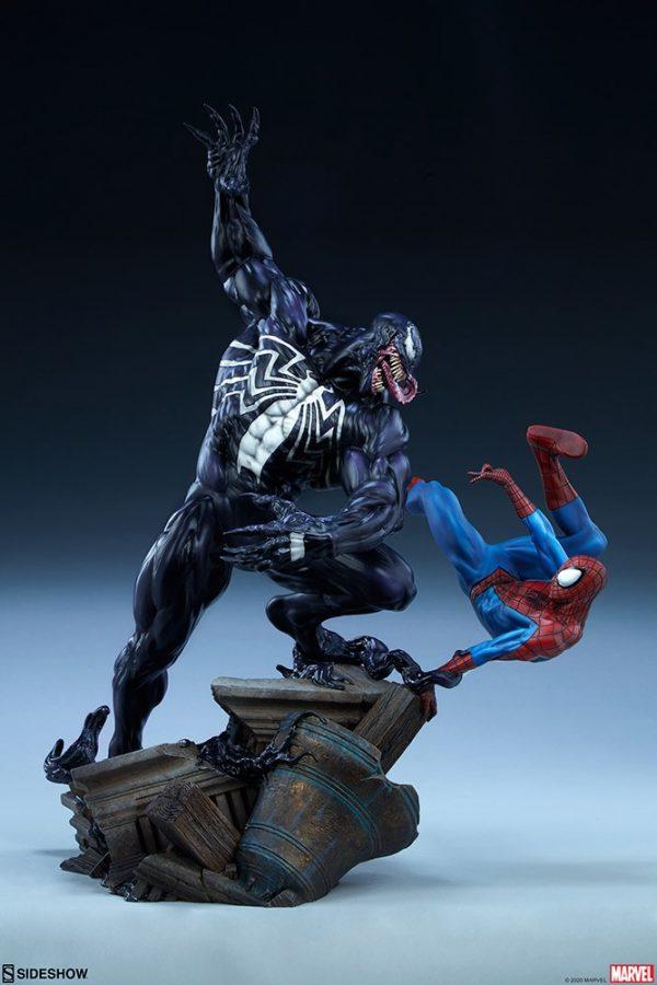 spider-man-vs-venom_marvel_gallery_5ecfdce2853a0-600x900