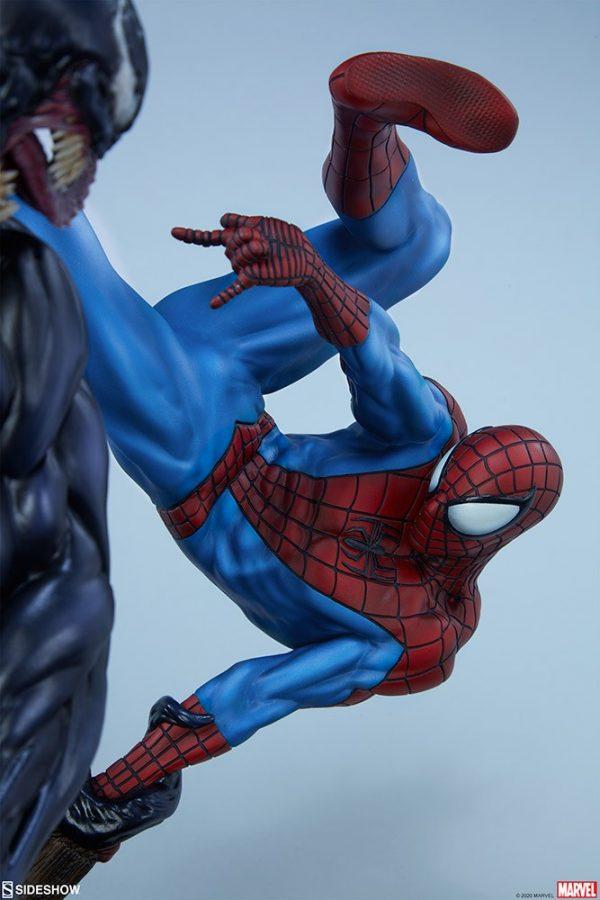 spider-man-vs-venom_marvel_gallery_5ecfdce48fafc-600x900