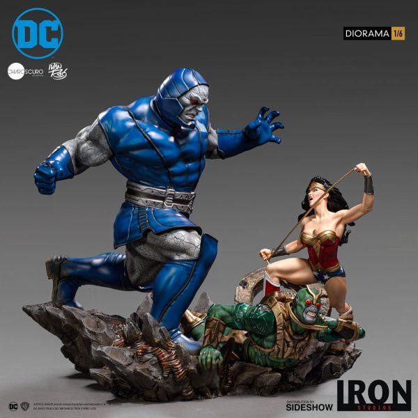 wonder-woman-vs-darkseid_dc-comics_gallery_5ec700117b15d-600x600