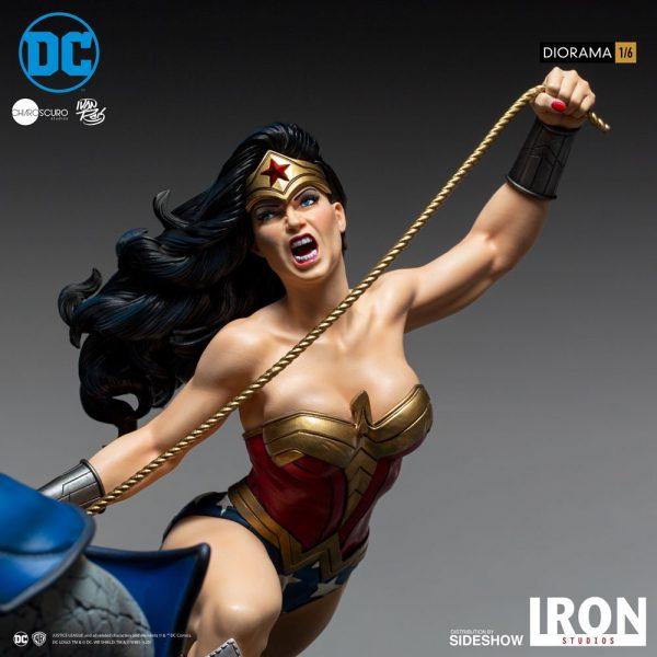 wonder-woman-vs-darkseid_dc-comics_gallery_5ec7001405f77-600x600