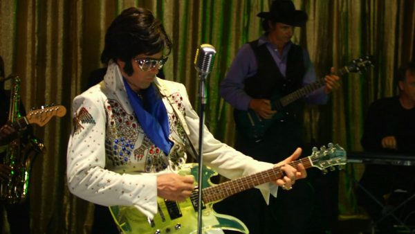 Elvis-From-Outer-Space-8-600x338