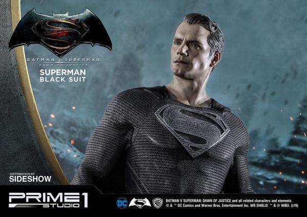 superman-black-suit-version_dc-comics_gallery_5ed55413e82bc-600x424