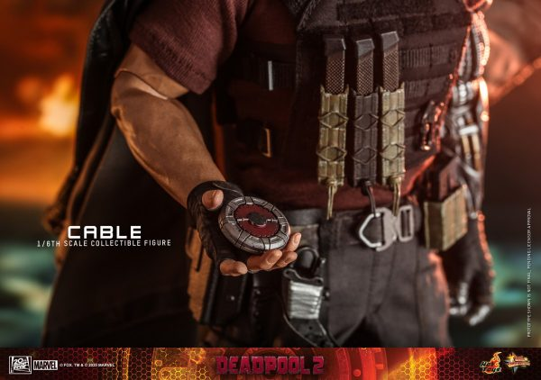 Hot-Toys-Deadpool-2-Cable-collectible-figure_PR21-600x422