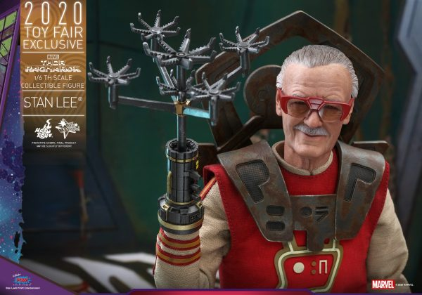 Hot-Toys-Thor-3-Stan-Lee-collectible-figure_PR13-600x420