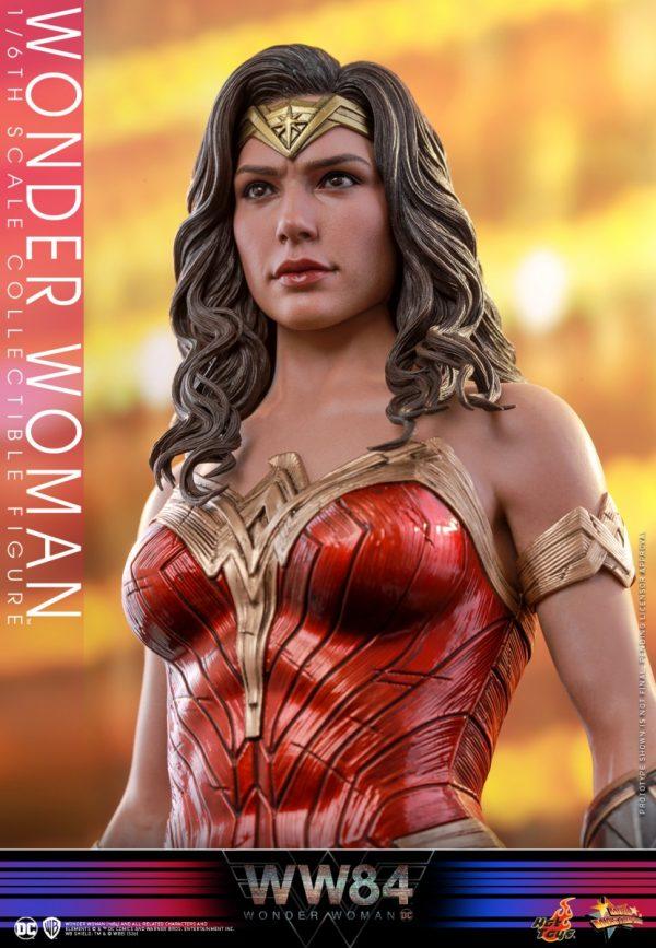 Hot-Toys-WW84-Wonder-Woman-collectible-figure_PR10-600x867