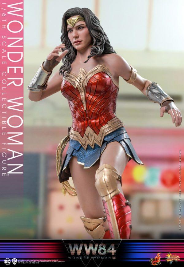 Hot-Toys-WW84-Wonder-Woman-collectible-figure_PR14-600x867