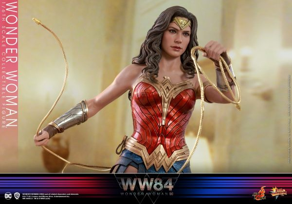 Hot-Toys-WW84-Wonder-Woman-collectible-figure_PR16-600x420