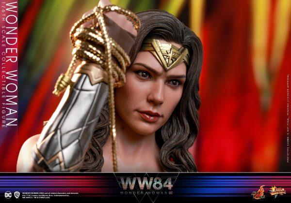 Hot-Toys-WW84-Wonder-Woman-collectible-figure_PR18-600x420