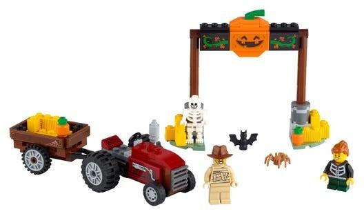 LEGO-Seasonal-Halloween-Hayride-40423-3
