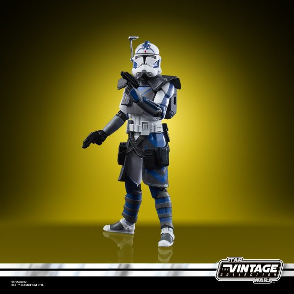 Star-Wars-The-Vintage-Collection-Star-Wars-The-Clone-Wars-501st-Legion-ARC-Troopers-Figure-3-Pack-oop-3-600x600