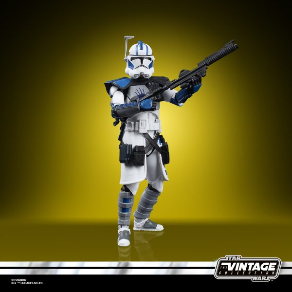 Star-Wars-The-Vintage-Collection-Star-Wars-The-Clone-Wars-501st-Legion-ARC-Troopers-Figure-3-Pack-oop-8-600x600