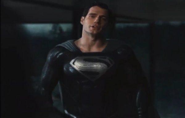 Superman-Black-Suit-Zack-Snyders-Justice-League-600x383