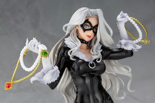 black-cat-steals-your-heart_marvel_gallery_5f076d7511bf3-600x400
