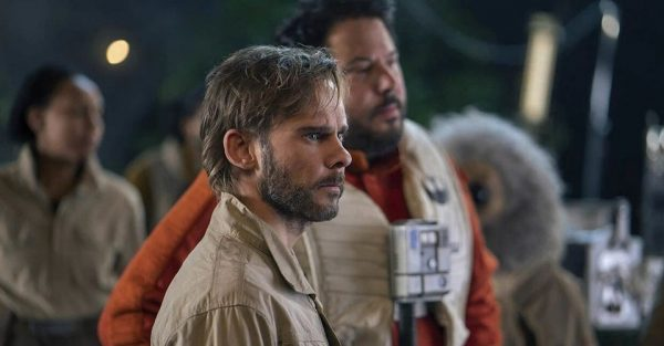 Dominic-Monghan-as-Beaumont-Kin-and-Greg-Grunberg-as-Snap-Wexley-in-Star-Wars-The-Rise-of-Skywalker-600x313