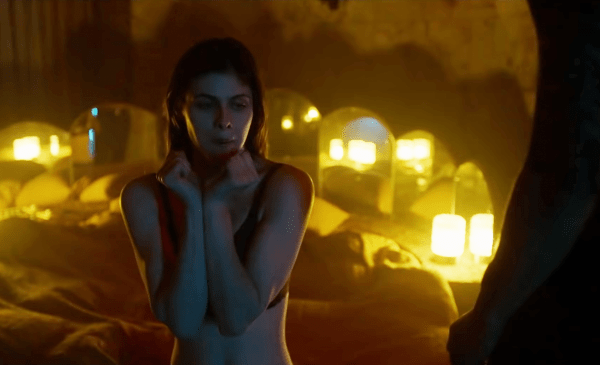 Lost-Girls-Love-Hotels-Trailer-1-2020-_-Movieclips-Indie-1-2-screenshot-600x365
