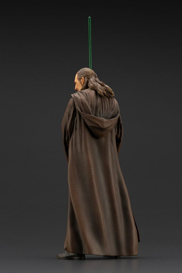 qui-gon-jinn_star-wars_gallery_5f24c5cd8bc17-600x900