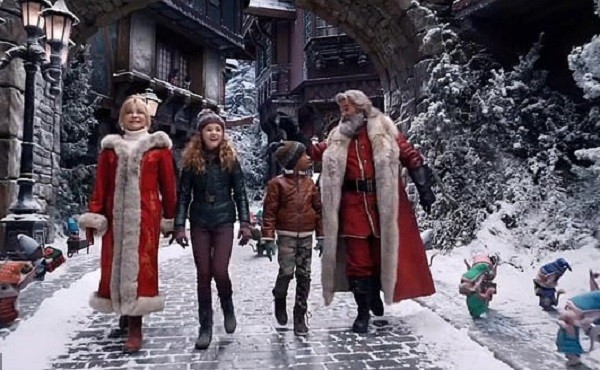 The Christmas Chronicles 2 gets a first teaser trailer from Netflix
