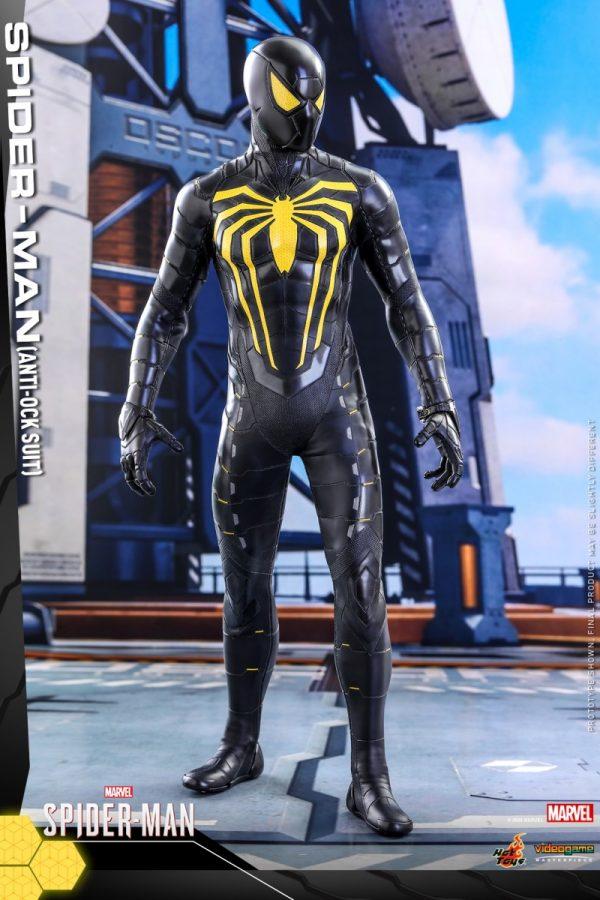 Hot-Toys-MSM-Spider-Man-Anti-Ock-Suit-collectible-figure_PR1-600x900