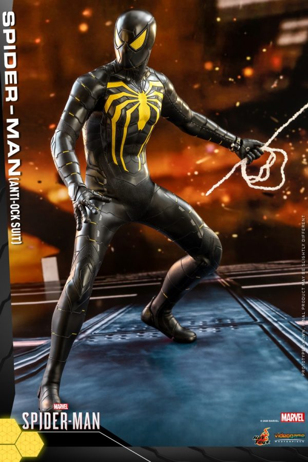 Hot-Toys-MSM-Spider-Man-Anti-Ock-Suit-collectible-figure_PR4-600x900