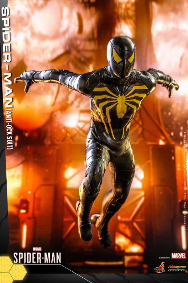 Hot-Toys-MSM-Spider-Man-Anti-Ock-Suit-collectible-figure_PR5-600x900