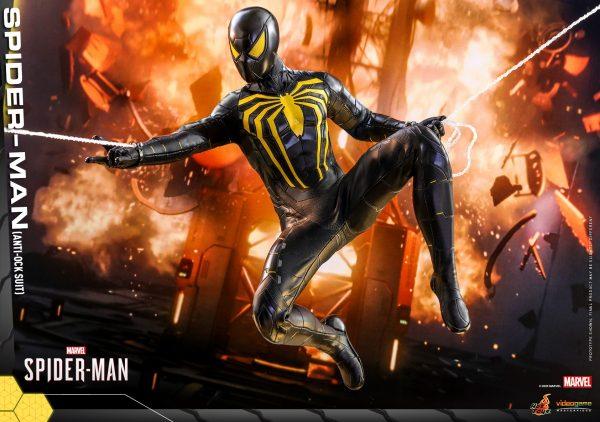 Hot-Toys-MSM-Spider-Man-Anti-Ock-Suit-collectible-figure_PR6-600x422