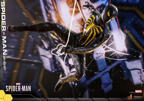 Hot-Toys-MSM-Spider-Man-Anti-Ock-Suit-collectible-figure_PR7-600x422