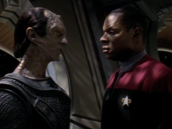 Star-Trek-DS9-Sisko-and-Dukat-600x450