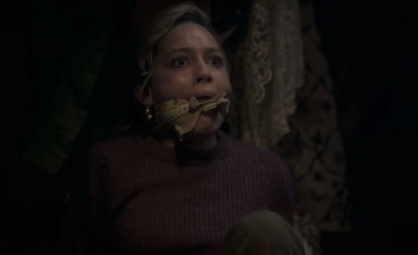 The-Haunting-of-Bly-Manor-_-Official-Trailer-_-Netflix-1-58-screenshot-600x366
