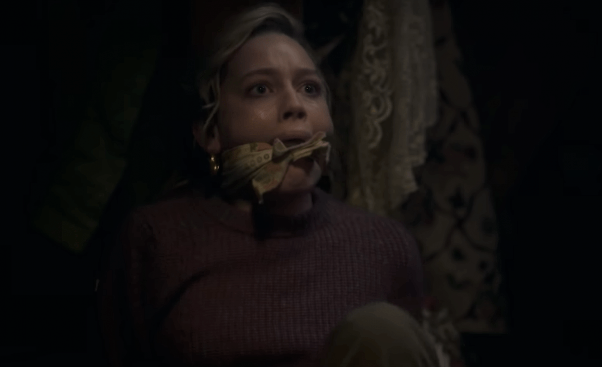 Netflix S The Haunting Of Bly Manor Gets A Chilling New Trailer