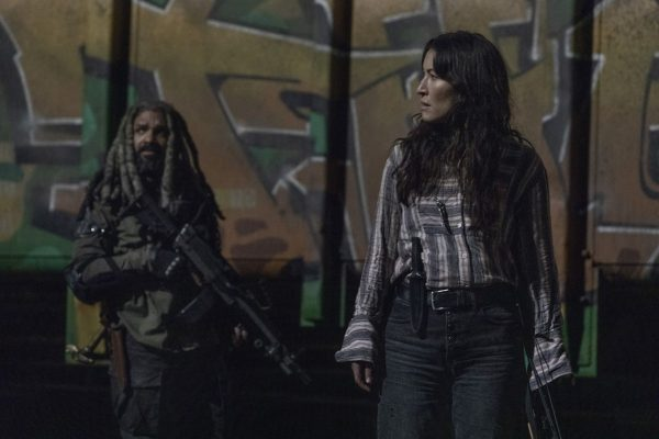 The-Walking-Dead-finale-images-14-600x400