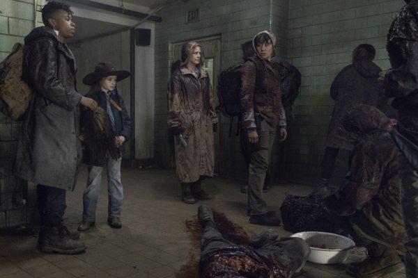 The-Walking-Dead-finale-images-23-600x400